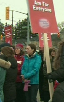 620_teachers_protest_waterloo3_181212.jpg