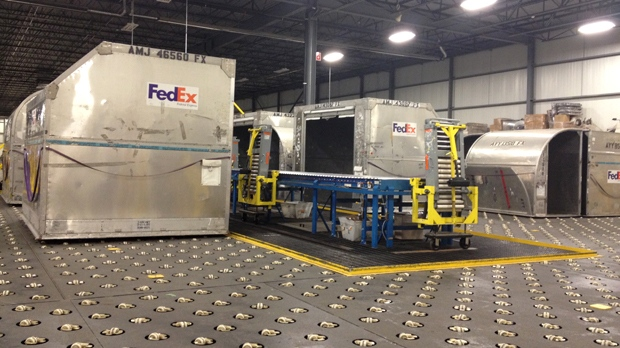 A FedEx shipping centre in Cambridge, Ont., is shown on Tuesday, Dec. 18, 2012. (David Imrie / CTV)