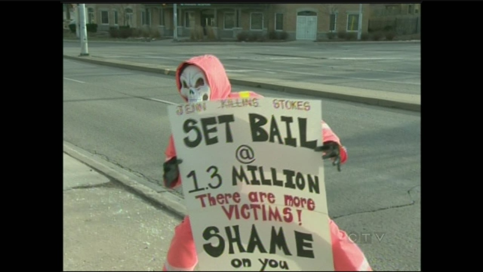 'The Annoyed Orange' protests outside a Kitchener courthouse on Monday, Dec. 24, 2012. (CTV Kitchener)