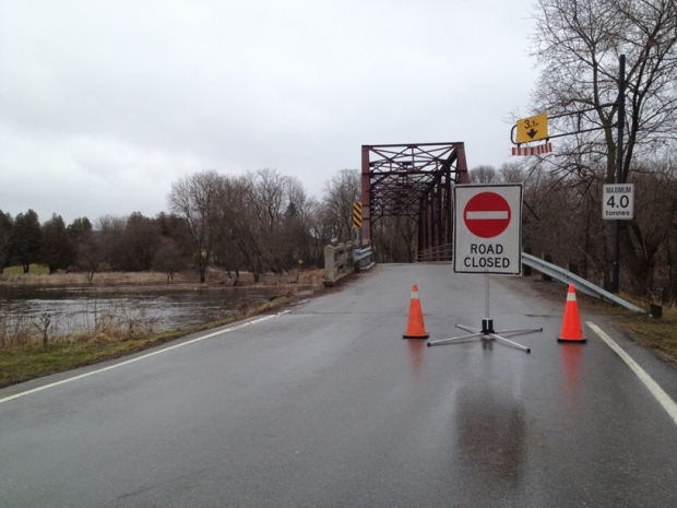 The bridge on Blackbridge Road in Cambridge, Ont., was closed due to flooding concerns on Wednesday, April 10, 2013. (Rosie Del Campo / CTV Kitchener)
