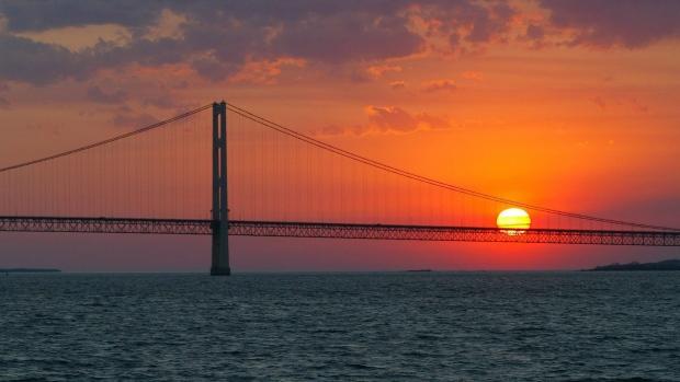 Great Lakes bridge