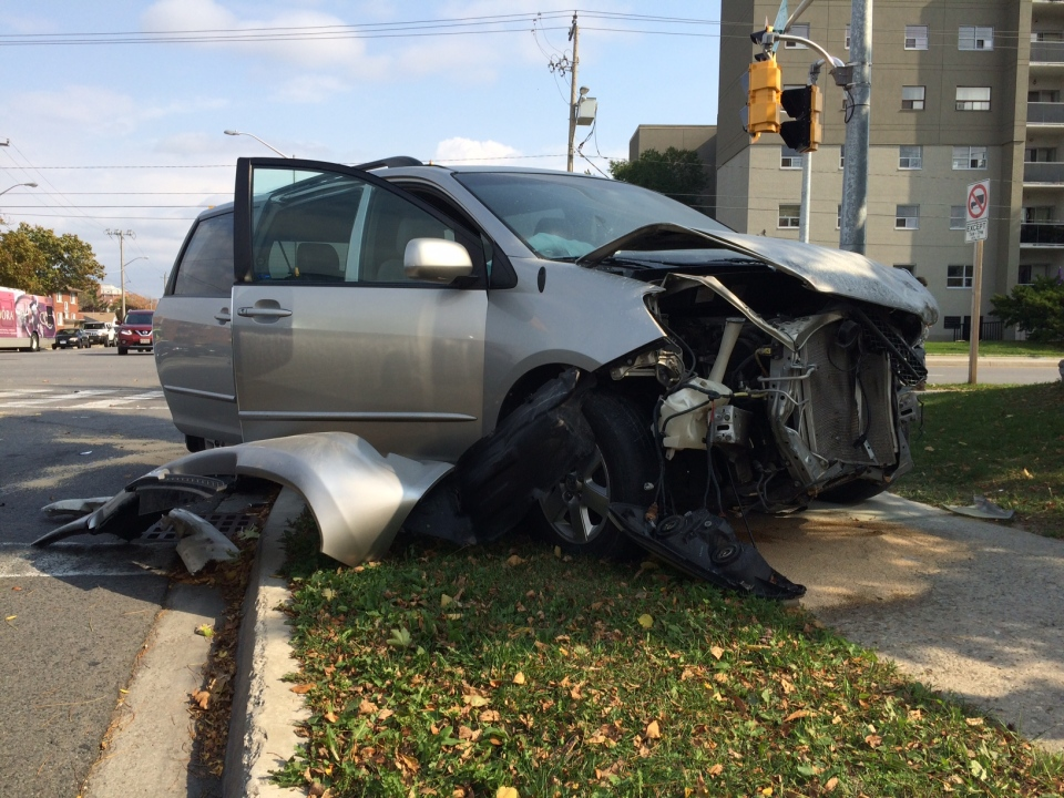A minivan was significantly damaged in a two-vehicle collision at Queen's Boulevard and Westmount Road in Kitchener on Tuesday, Oct. 18, 2016. (Matt Ethier / CTV Kitchener)