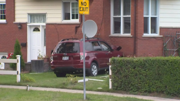 Significant Damage Reported As Suv Hits House Ctv Kitchener News