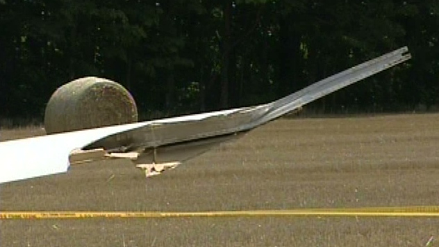 A glider is seen following a crash on the weekend in Grey County, Ont. on Monday, July 30, 2012.
